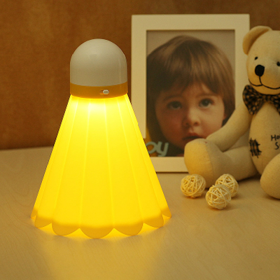 Buy Creative Badminton Night Light LED Energy Saving Lamp USB Charge Small Table Lamp, Yellow for $6.16 in SUNSKY store