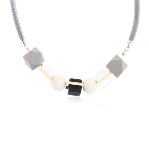 Fashion Coloured Wood Geometric Pendant Necklace(BLACK)