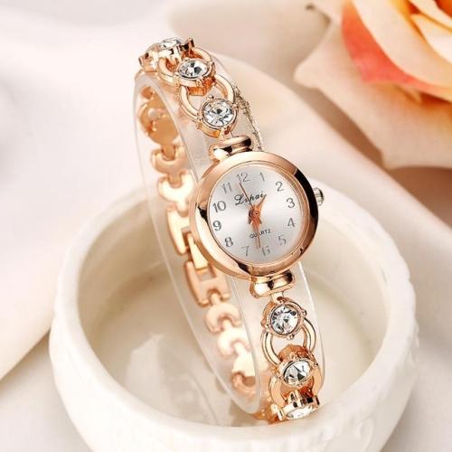 Lvpai P019 Retro Bracelet Stainless Steel Rhinestone Watch for Women(Gold)